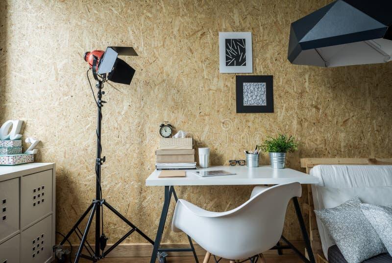 El lugar moderno tu estudia fotografía de archivo