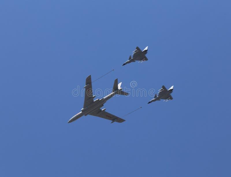 El método anti Si occidental en mundo es en la conmemoración de 70 tropas chinas del comentario de la fuerza aérea del aniversari foto de archivo libre de regalías