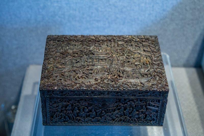 El mapa de la historia que talla la caja redonda de la cubierta del patio de la tortuga arte del siglo XIX de la fabricación fotos de archivo