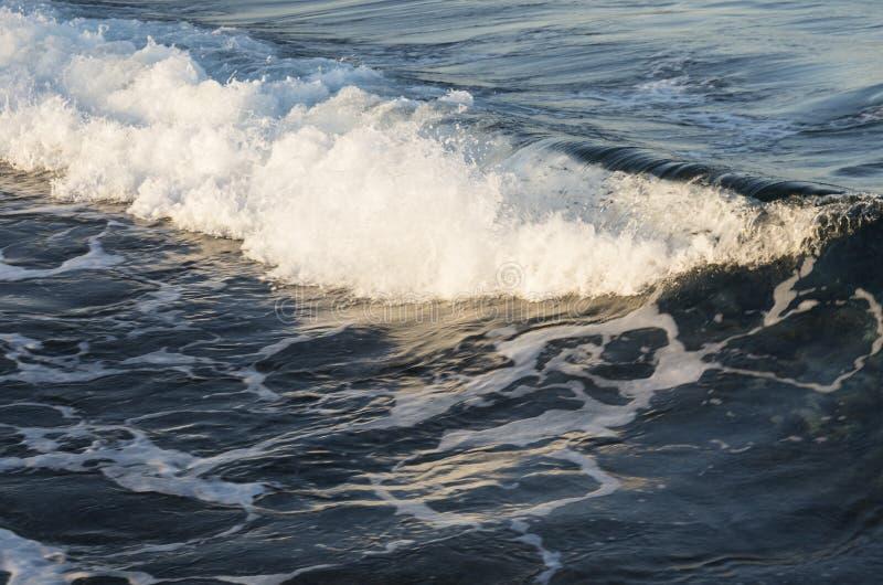 El mar agita en Egipt imagen de archivo libre de regalías
