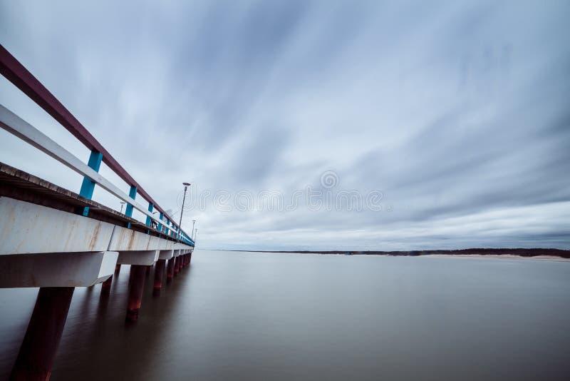 El mar Báltico y un embarcadero imágenes de archivo libres de regalías