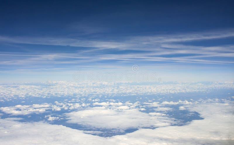 El mar de nubes y vista del espacio foto de archivo