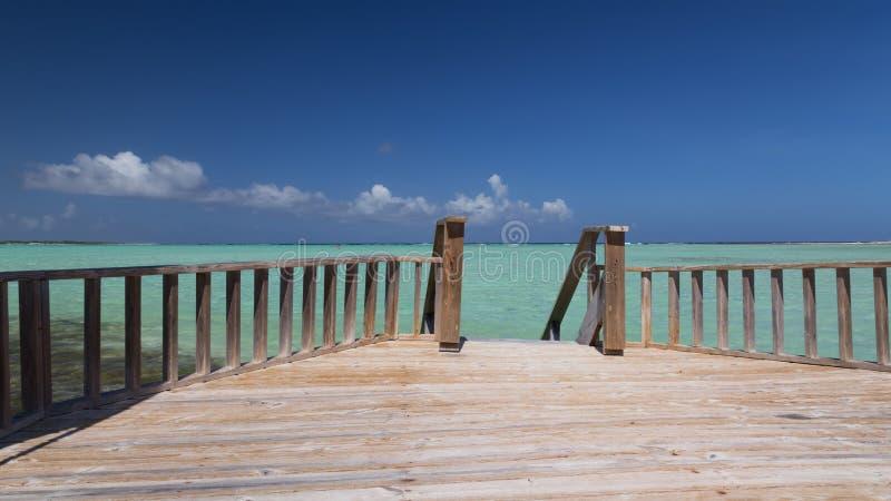 El mar del Caribe de la isla de Bonaire windsurf laguna Sorobon imagen de archivo libre de regalías