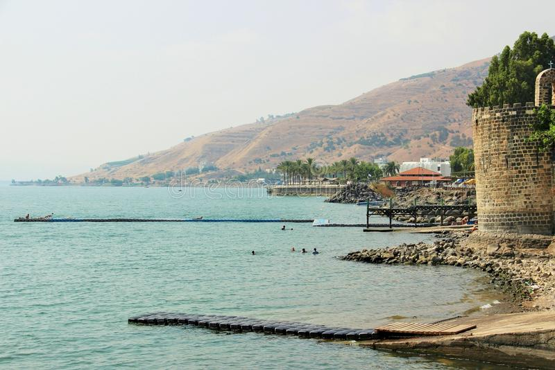 El mar del kinneret del lago de Galilea imagenes de archivo