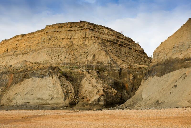 El mar y el viento erosionan los acantilados en la ballena Chine In la isla del Wight foto de archivo