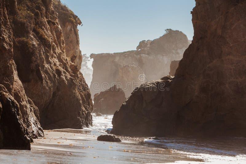 El-matador State Beach, Malibu, Kalifornien royaltyfria foton