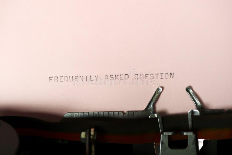 El mecanografiar con frecuencia pedido de la pregunta imagen de archivo libre de regalías
