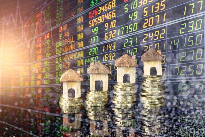 El mercado de acci?n o el gr?fico y la palmatoria comerciales de las divisas trazan conveniente para el concepto de la inversi?n  imagenes de archivo