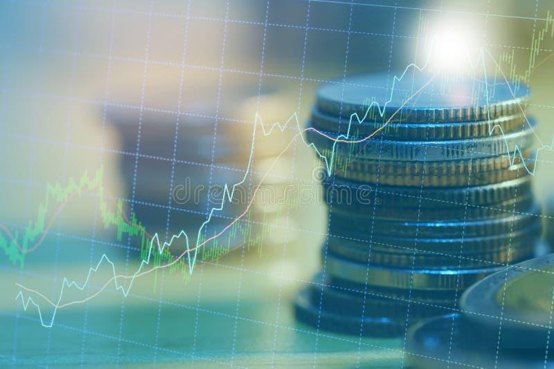 El mercado de acci?n o el gr?fico y la palmatoria comerciales de las divisas trazan conveniente para el concepto de la inversi?n  foto de archivo libre de regalías