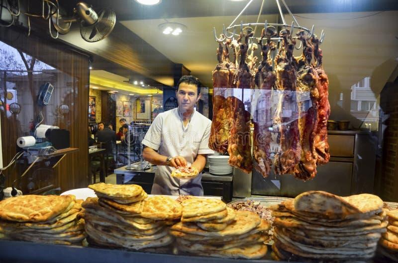 El mercado de las mujeres es famoso por su kebab de Buryan del bulevar imagen de archivo