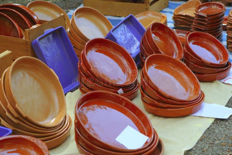 El mercado del departamento de la cerámica de la arcilla tradicional handcraft fotografía de archivo libre de regalías