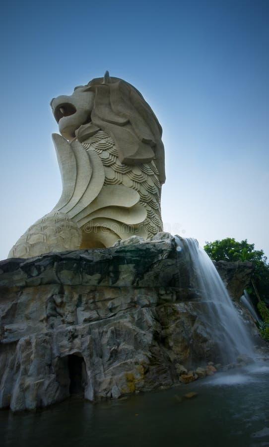 El Merlion en la isla de Sentosa foto de archivo