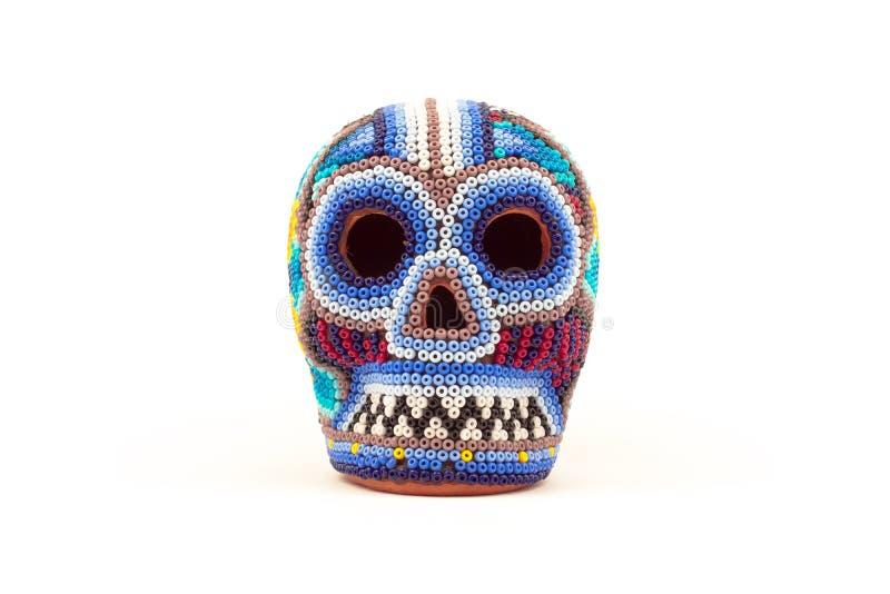 El mexicano hace el cráneo a mano multicolor fotos de archivo