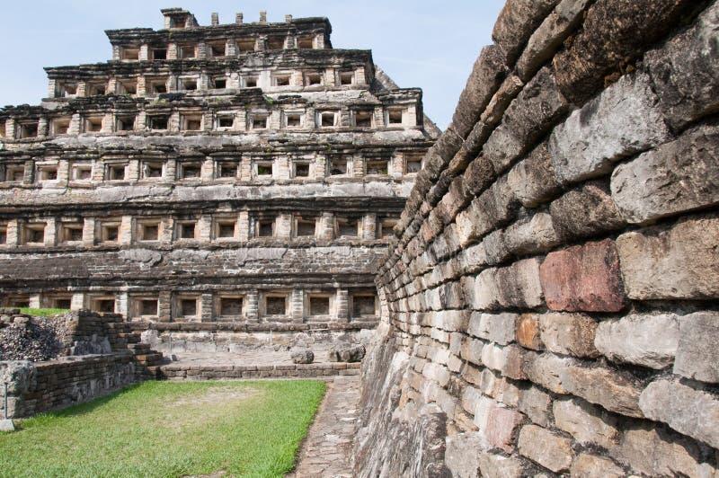 el mexico niches pyramidtajin royaltyfri foto