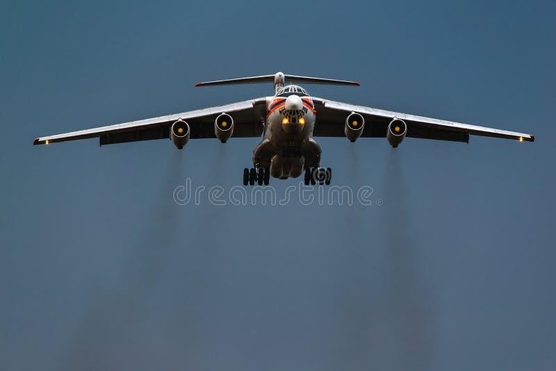 El ministerio de Ilushin Il-76 TD de las situaciones de emergencia de la Federación Rusa imágenes de archivo libres de regalías