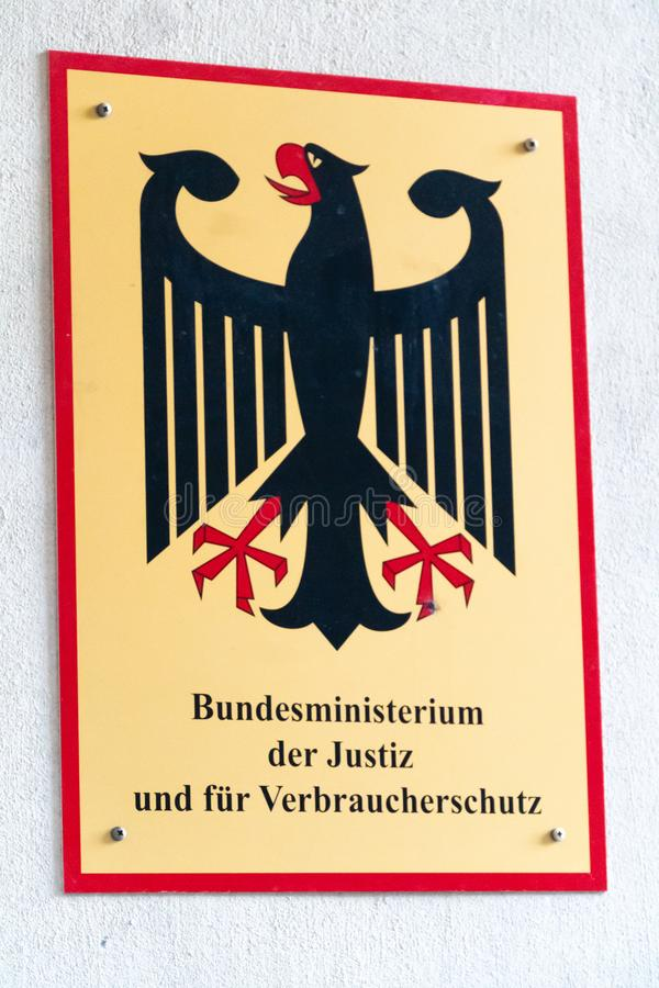 El ministerio federal alemán del emblema de la justicia imagen de archivo libre de regalías