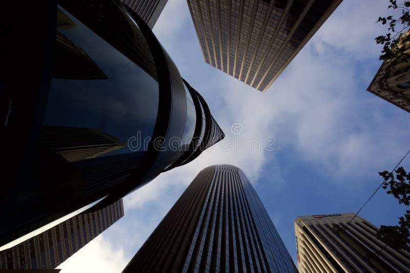 El mirar para arriba los rascacielos en San Francisco imagen de archivo libre de regalías
