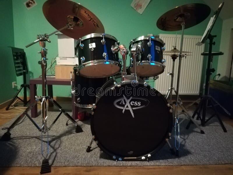 El mismo tambor pero la imagen original imagen de archivo