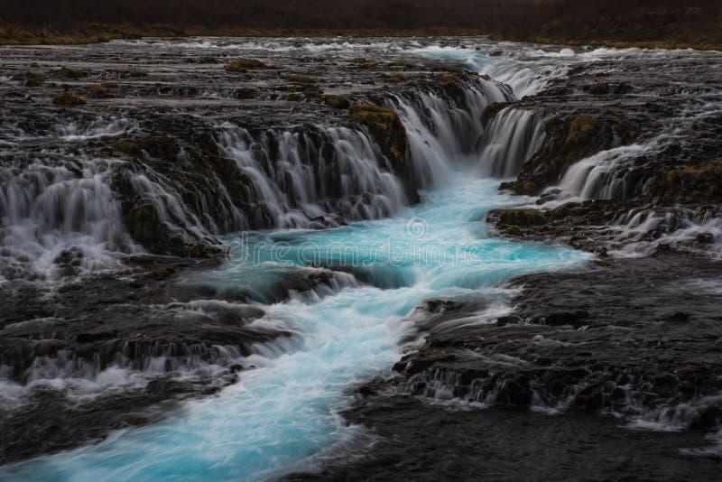 El misterio de la cascada azul, Bruarfoss imagenes de archivo