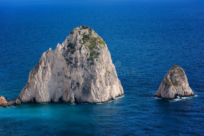 El Mizithres, pequeño y grande Formaciones de roca asombrosas en el cabo de Keri, isla de Zakynthos Grecia imagen de archivo