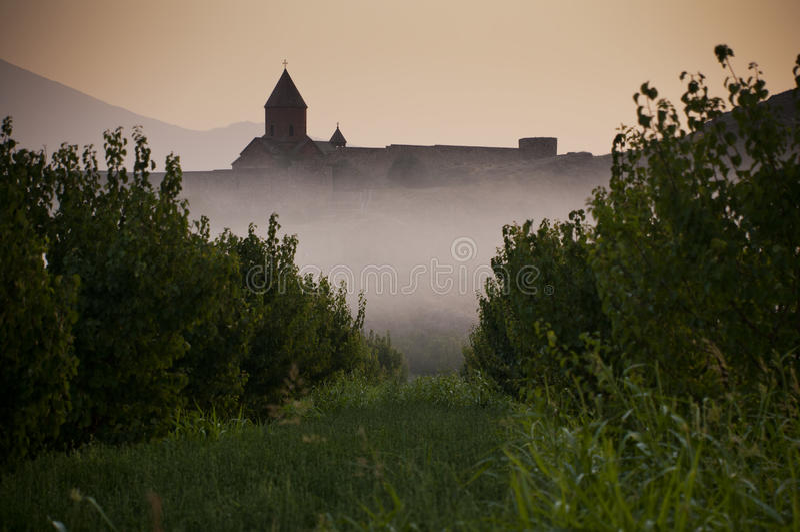 El monasterio de Khor Virap por la mañana imagenes de archivo