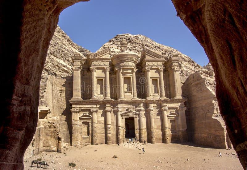 El monasterio en el Petra fotografía de archivo