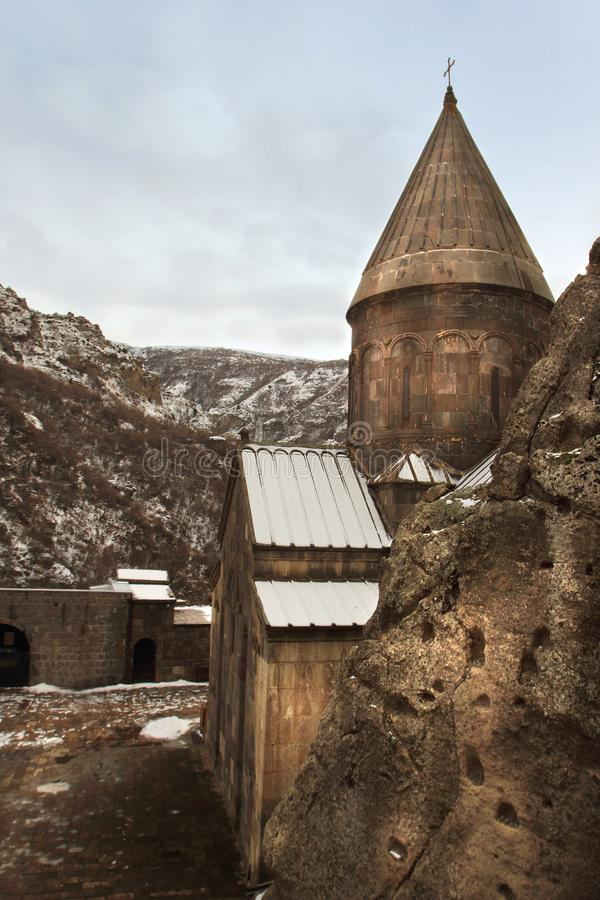 El monasterio en invierno, Armenia de Geghard imagenes de archivo