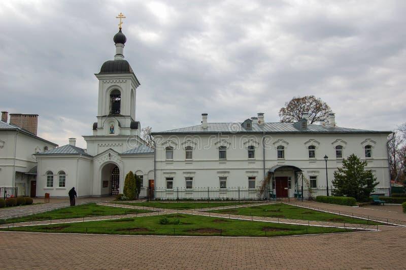 El monasterio en la ciudad de Novopolotsk Bielorrusia foto de archivo libre de regalías