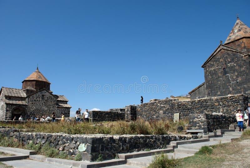 El monasterio o el Sevanavank (iglesia) de la isla en la isla de Sevan fotos de archivo