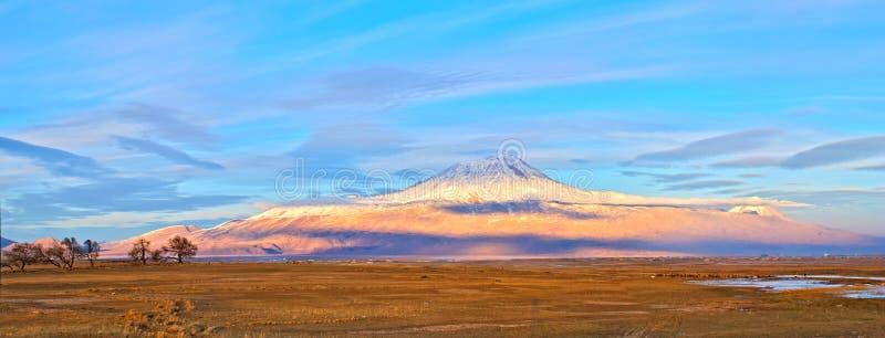 El monte Ararat imágenes de archivo libres de regalías