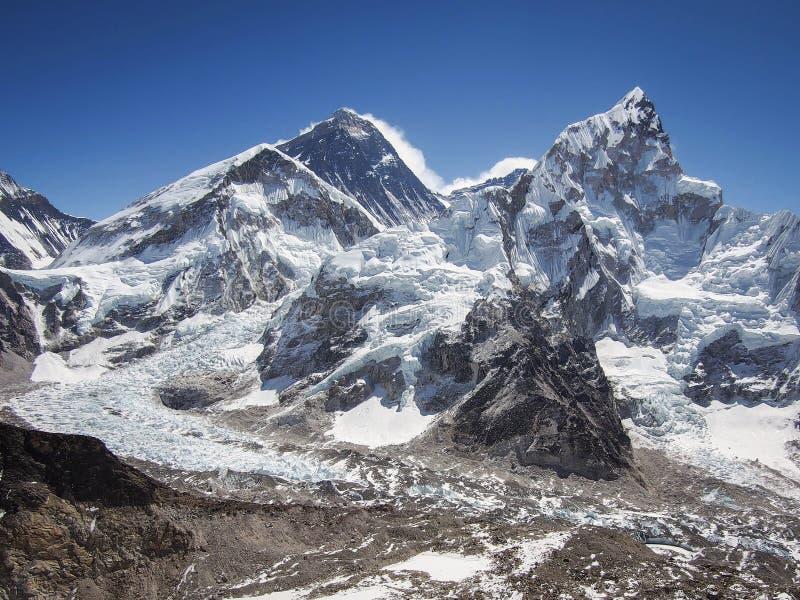 El monte Everest y Nuptse vistos de Kala Patthar en Nepal fotos de archivo libres de regalías