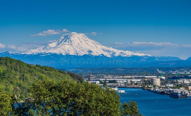 El Monte Rainier blanco 5 imágenes de archivo libres de regalías