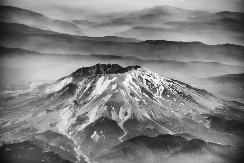 El Monte Saint Helens según lo visto del aeroplano imagen de archivo