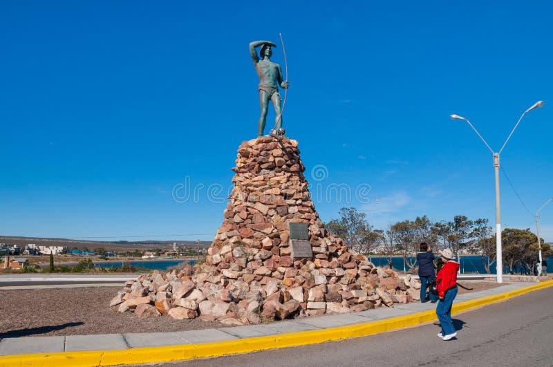 El monumento al natural de Tehuelche imagenes de archivo