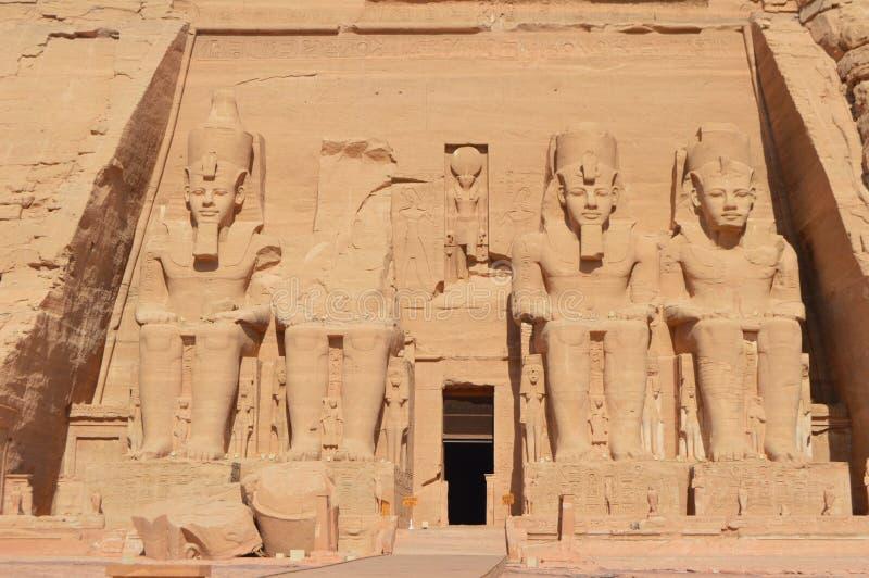 El monumento antiguo impresionante en Abu Simbel foto de archivo