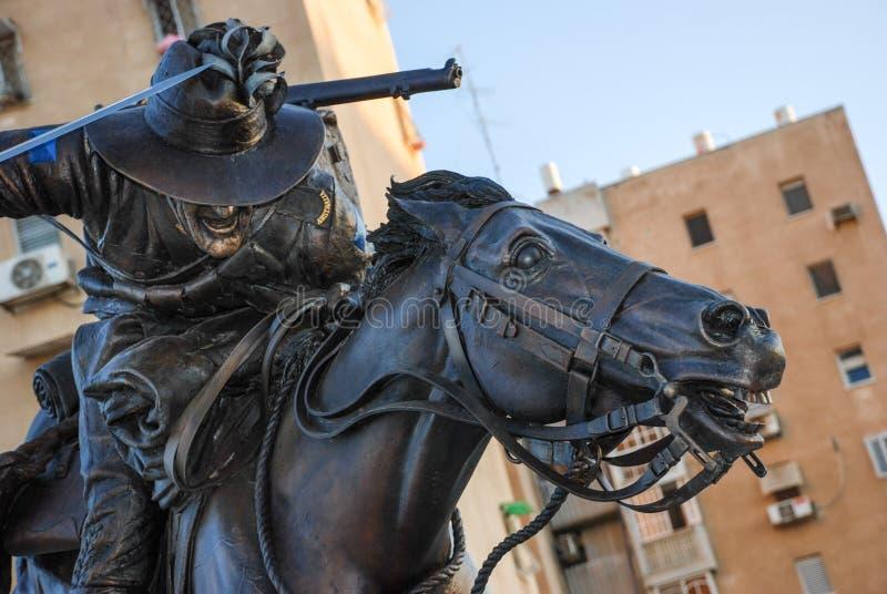 El monumento australiano del regimiento del caballo ligero en el tiempo de la puesta del sol foto de archivo