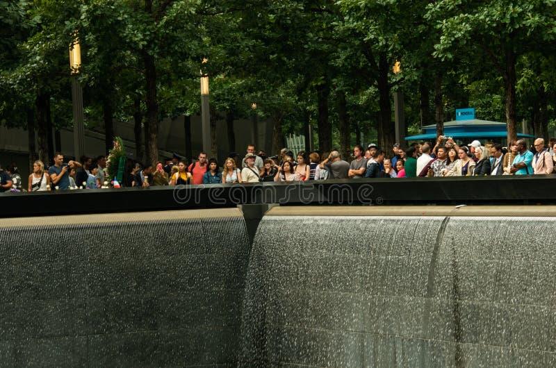 El monumento de 9/11 durante día del patriota fotos de archivo