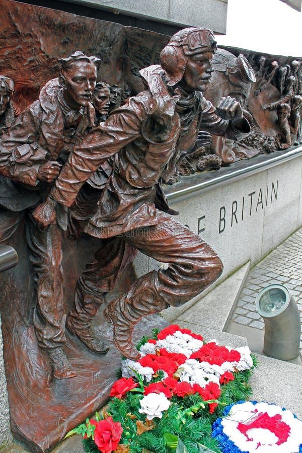 El monumento de la batalla de Inglaterra en el terraplén del Támesis, Londres, Inglaterra imagen de archivo