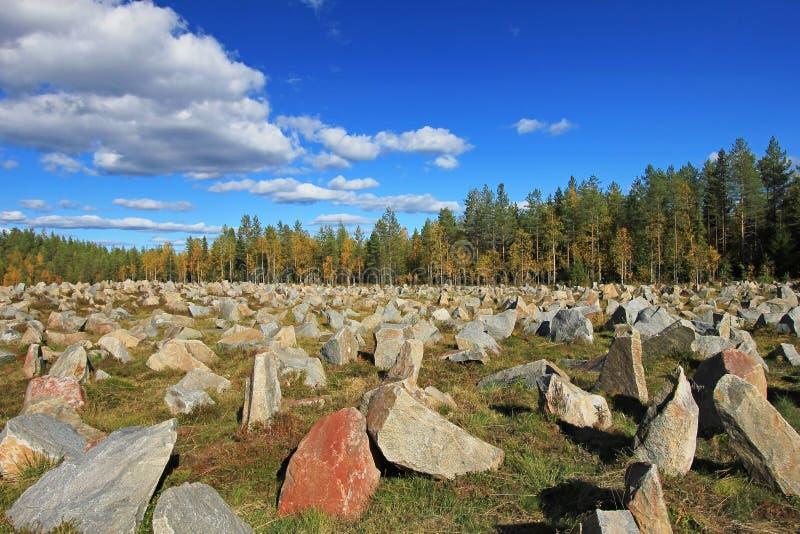 El monumento de la guerra del invierno en Suomussalmi, batalla del camino de Raate, Karelia, Finlandia imagen de archivo