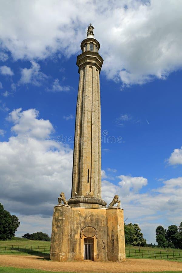 El monumento de Lord Cobham, el valle griego en un día de verano foto de archivo