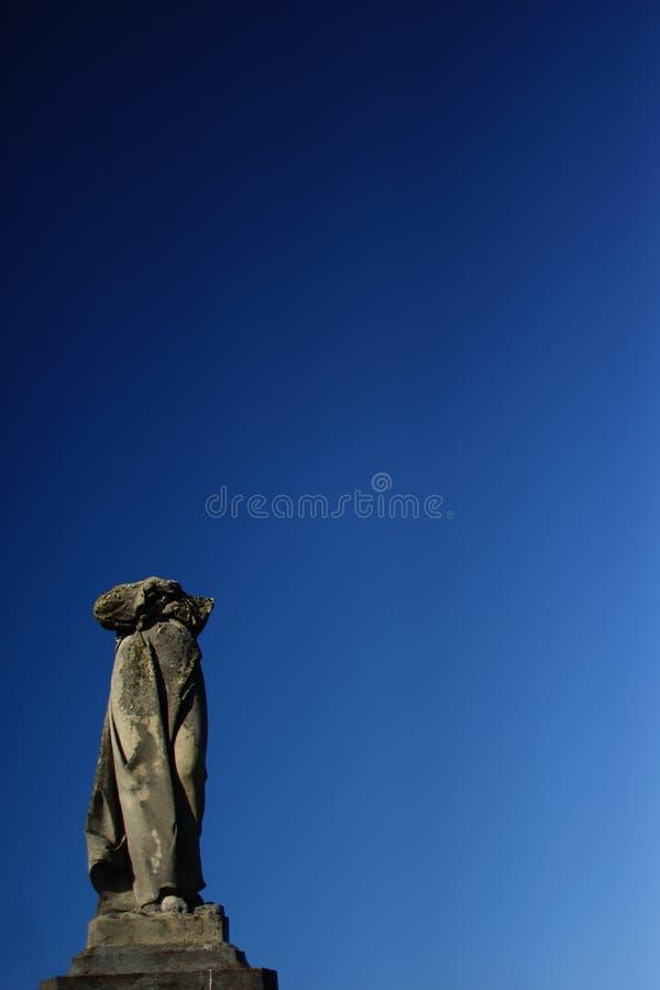 El monumento en el cementerio fotografía de archivo libre de regalías