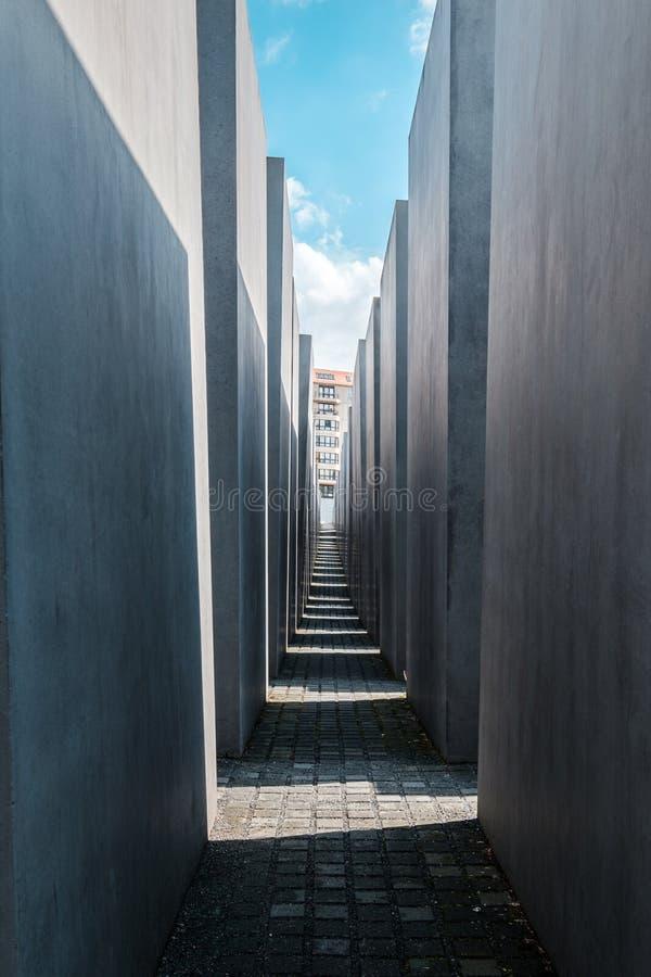 El monumento a los jud?os asesinados a K A Monumento del holocausto en Berl?n fotos de archivo libres de regalías