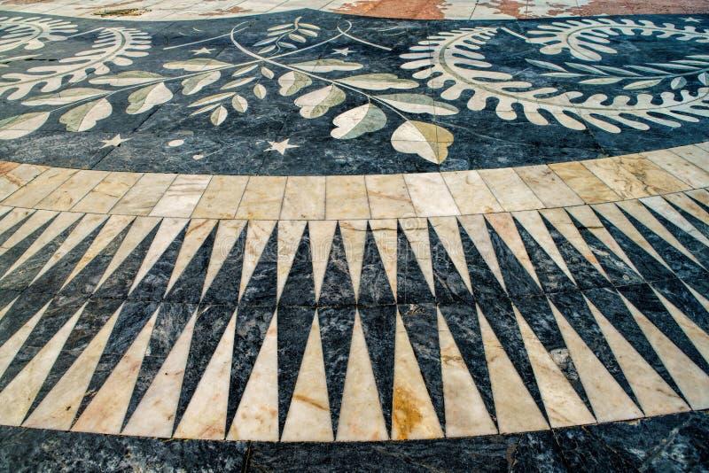 El mosaico de los descubrimientos marítimos portugueses en el Monumen fotos de archivo libres de regalías