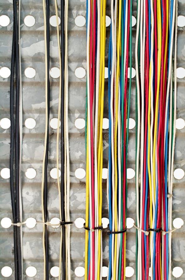 El mostrar de la parte delantera del servidor del alambre colorido fotografía de archivo libre de regalías