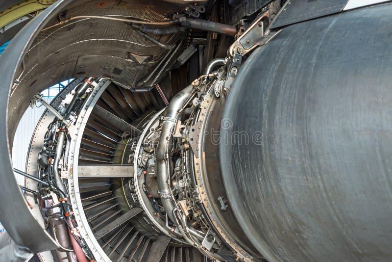 El motor del aeroplano desmontó la capilla abierta, vista posterior imagen de archivo libre de regalías