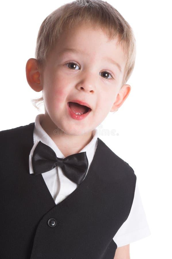 El muchacho en un juego negro fotos de archivo