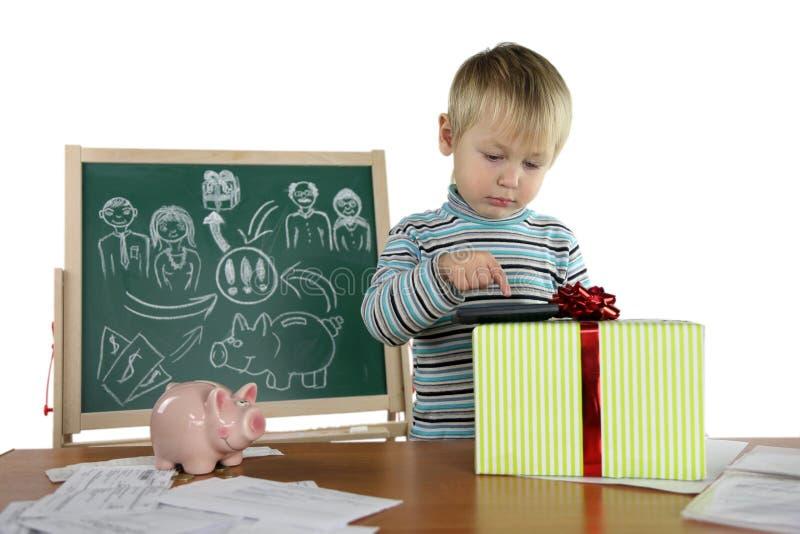 El muchacho es un proyecto del negocio imágenes de archivo libres de regalías