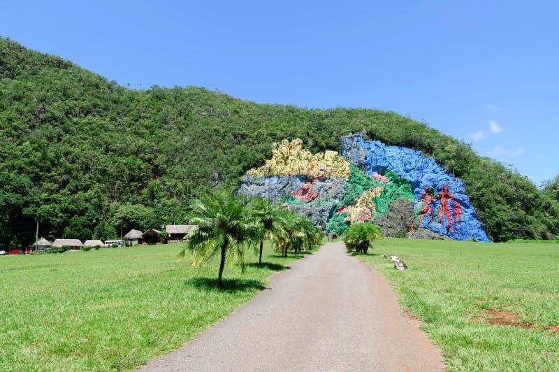 El mural de la prehistoria, valle de Vinales, Cuba imagen de archivo libre de regalías