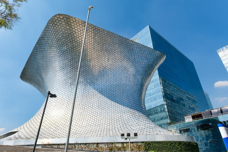 El museo de arte moderno de Soumaya en Ciudad de México imagen de archivo libre de regalías