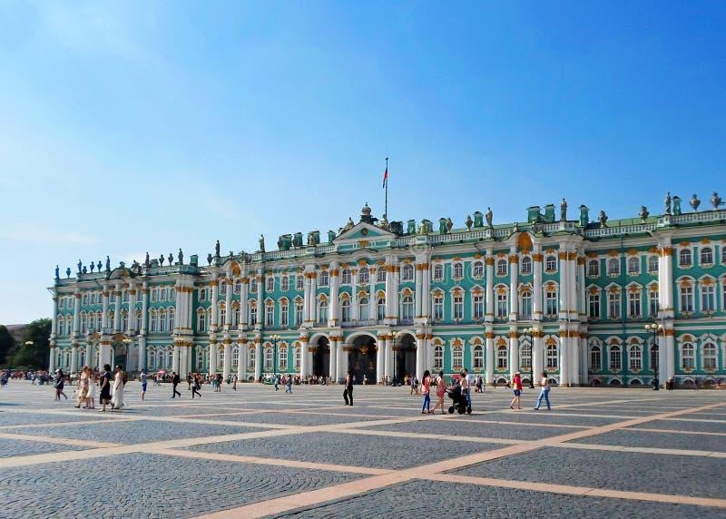 El museo de ermita del estado o el palacio del invierno fotos de archivo